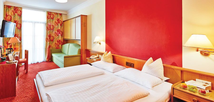 Austria_Zell-am-see_Hotel-Fischerwirt_Bedroom2.jpg